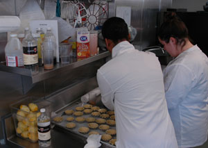 Students prepare dishes in the Vista Room kitchen